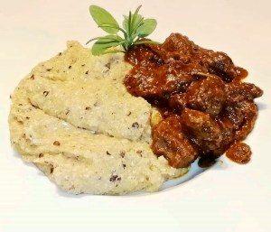 Spezzatino-di-capriolo-con-polenta-taragna
